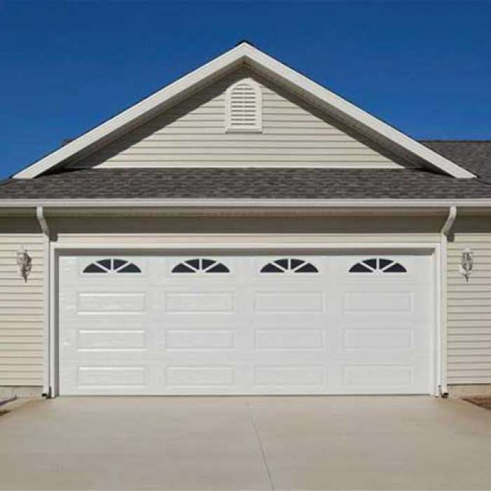 C.H.I. Raised Panel Garage Door 4216