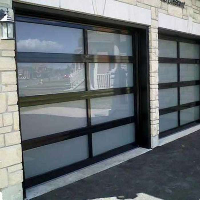 C.H.I. Recessed Panel Garage Door 3295